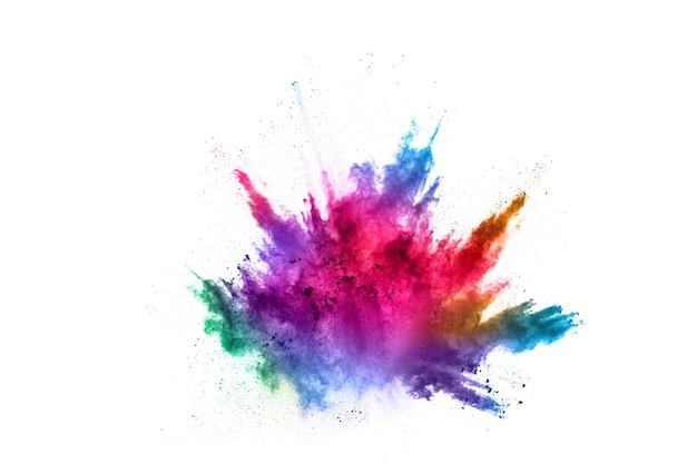 Explosão de pó colorido sobre fundo branco. nuvem colorida. poeira colorida explodir.