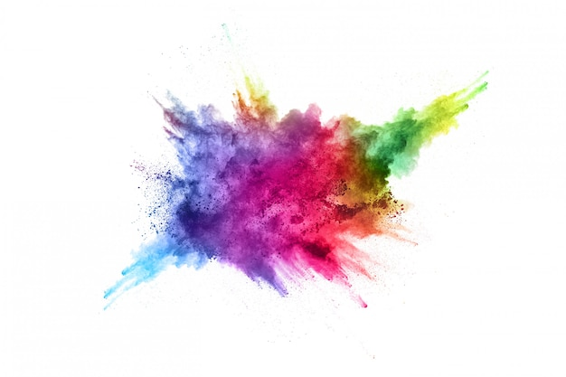 Explosão de pó colorido sobre fundo branco