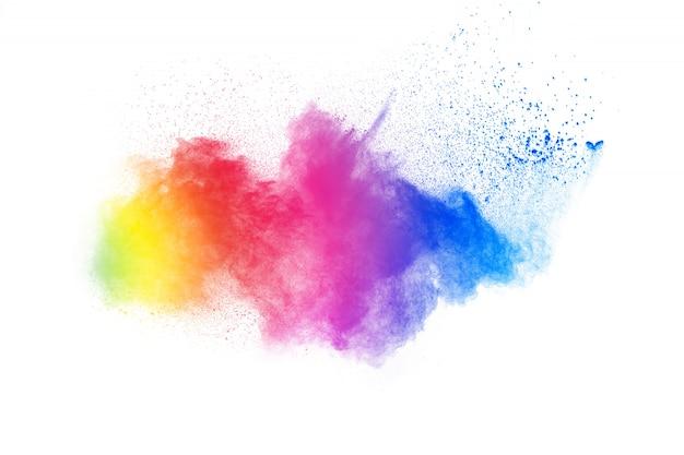 Explosão de pó cor abstrata no fundo branco. movimento de resfriamento de respingo de poeira