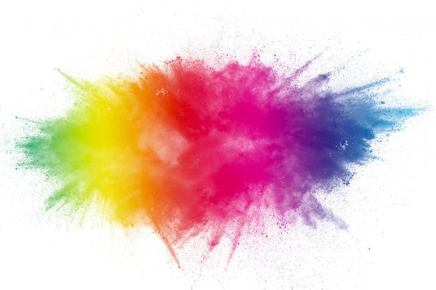 Explosão de pó de cor em fundo transparente.