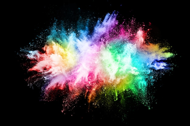 Explosão de poeira colorida abstrata em um fundo preto