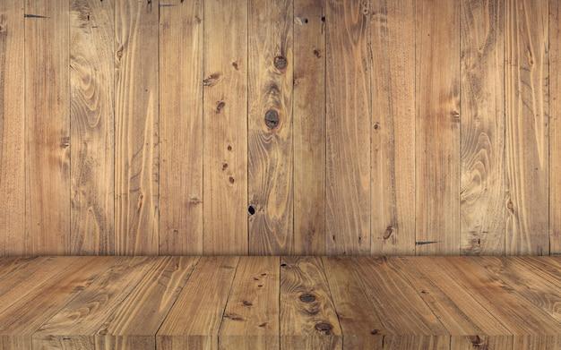 Exposição de madeira clara com fundo