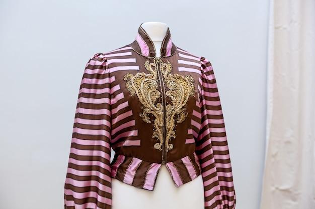 Exposição de roupas do museu nacional de arte chlo couture