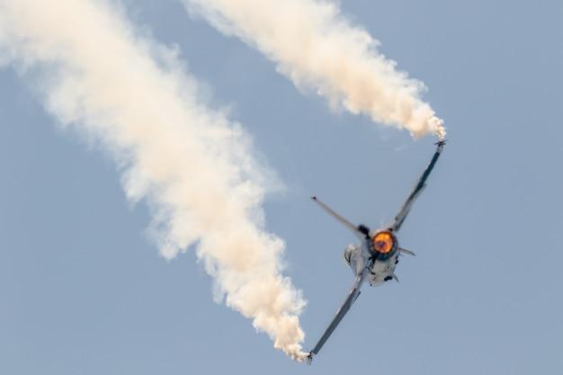 Exposição solo belga da aeronave f-16