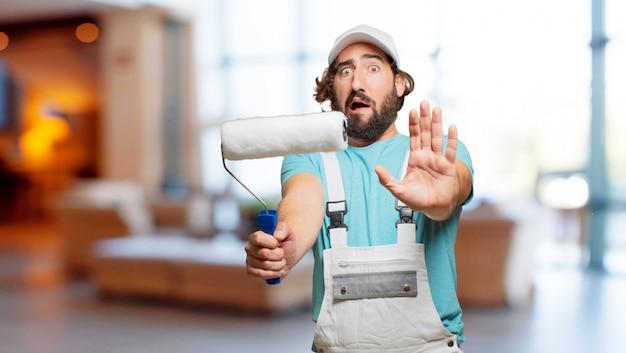 Expressão de raiva de pintor profesional