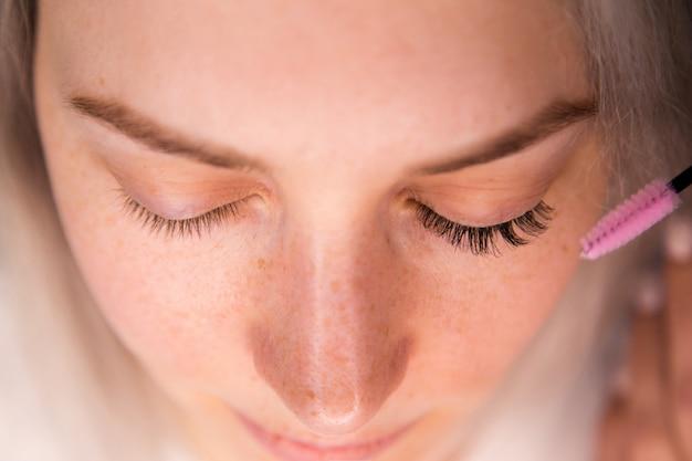 Extensão de cílios antes depois, cílios, olhos de mulher bonita