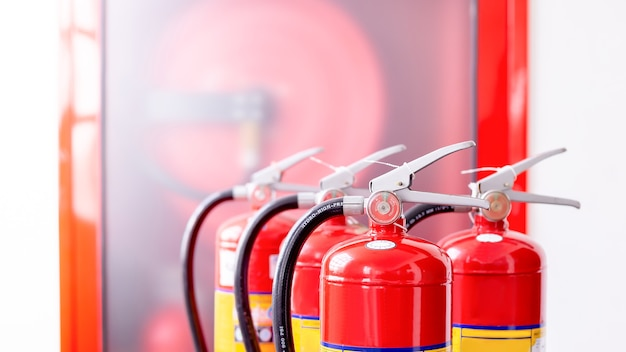 Extintor de incêndio vermelho pronto para incêndio de emergência conceito de proteção contra incêndio