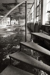Fábrica abandonada assustador