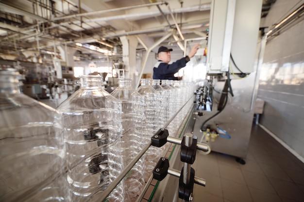 Fabricação de garrafas plásticas pet