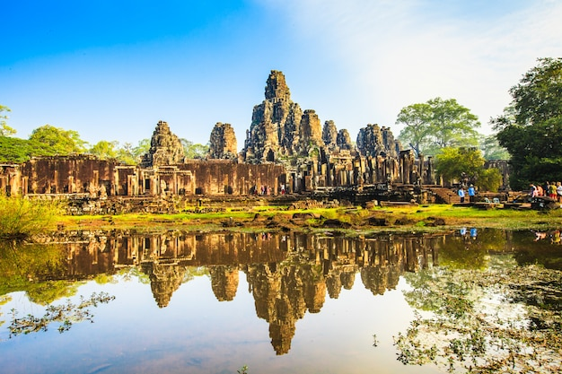 Face do castelo de bayon. antigo castelo no camboja