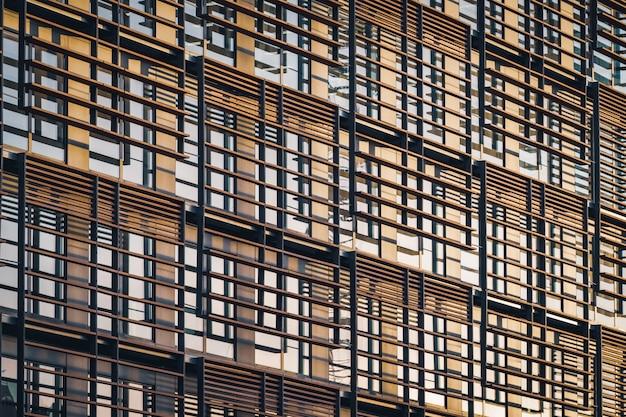 Fachada geométrica de um edifício