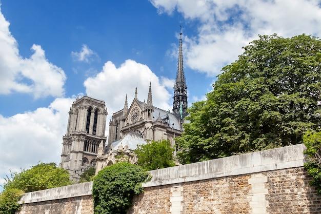 Fachada sul da catedral de notre dame de paris