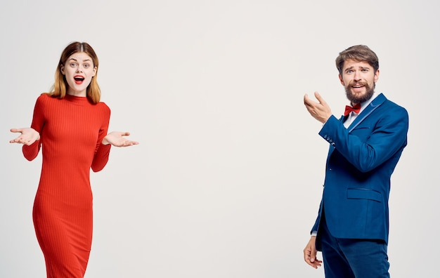 Família alegre homem e mulher luxo elegante estilo de vida