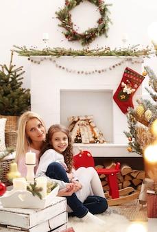 Família comemorando natal