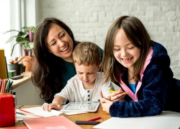 Família passar tempo felicidade férias união