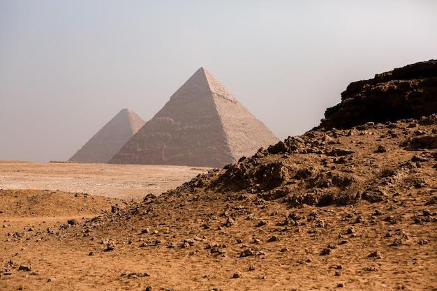 Famosas pirâmides egípcias de gizé