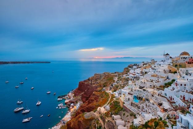 Famoso destino turístico grego oia, grécia