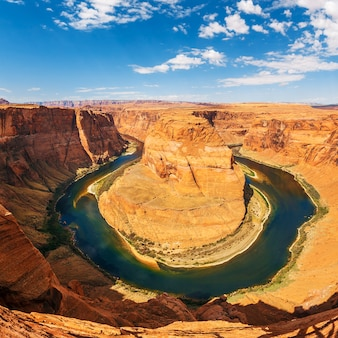 Famoso meandro de horseshoe bend do rio colorado em glen canyon