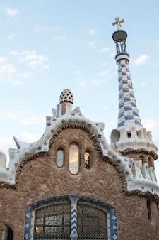 Famoso parque guell localizado em barcelona, espanha.