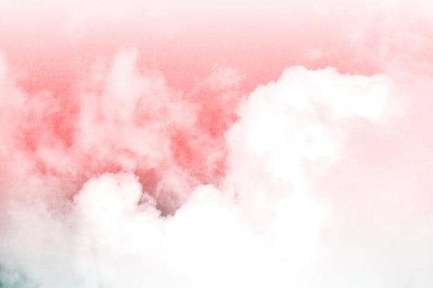 Fantasia e nuvem e céu dinâmicos do vintage com textura do grunge para o fundo