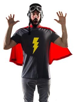 Fantasia forte de super-herói em latin