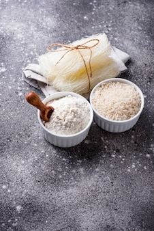 Farinha de arroz sem glúten, grãos e macarrão