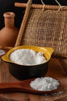 Farinha de tapioca feita de amido de mandioca