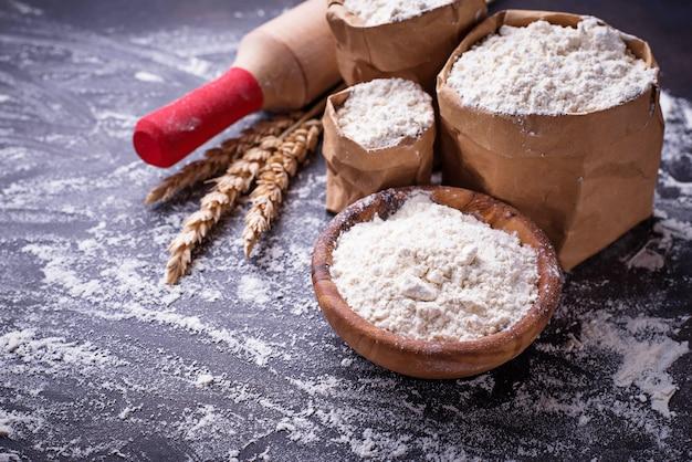 Farinha de trigo, orelhas e rolo