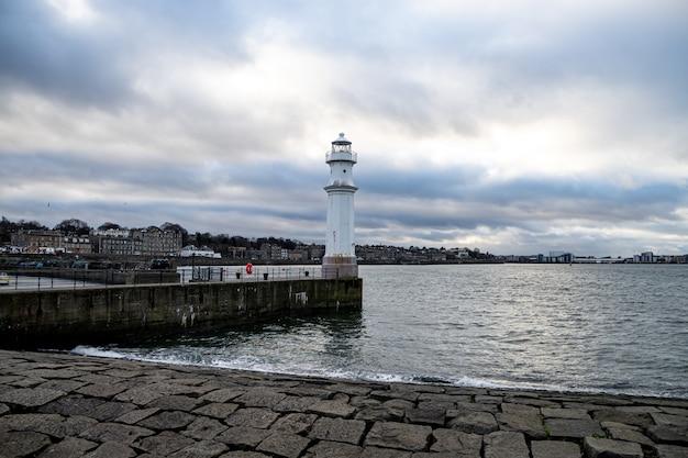 Farol do porto de newhaven Foto Premium