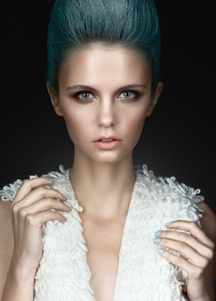 Fashionrt retrato de menina bonita. moda estilo mulher