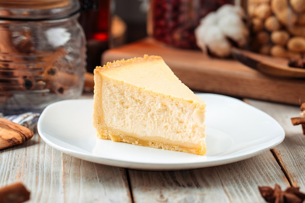 Fatia de cheesecake clássico de nova york