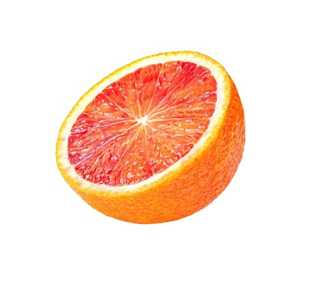 Fatia de fruta madura isolada no fundo branco