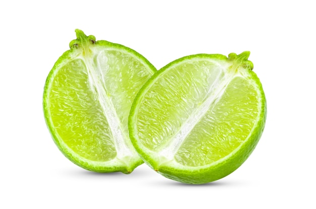 Fatia de limão isolada no fundo branco