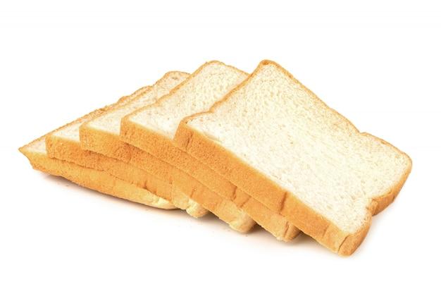 Fatia de pão isolada no fundo branco