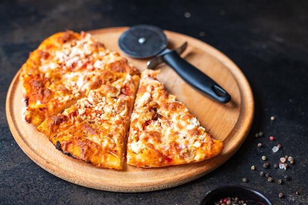 Fatia de pizza lanche quente fast food comida para levar em casa comida não saudável refeição lanche
