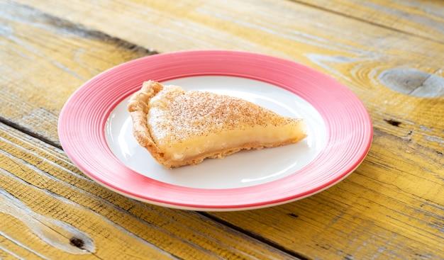 Fatia de torta de creme de açúcar indiana