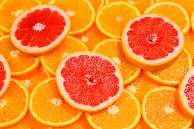 Fatias de laranjas e toranjas