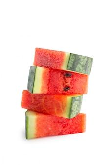 Fatias de melancia em branco
