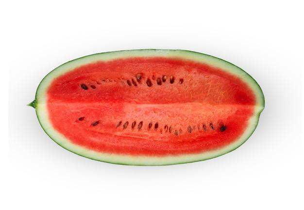 Fatias de melancia isolada na superfície branca