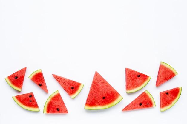 Fatias de melancia isolado