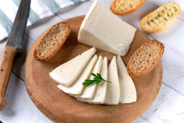 Fatias de queijo de vaca macia