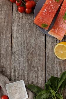Fatias de salmão, comida saudável