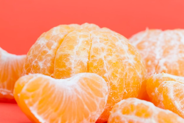 Fatias de tangerina suculenta e deliciosa com laranja agridoce