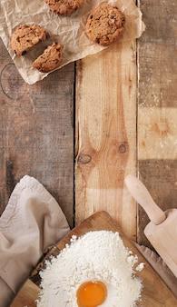 Fazendo biscoitos na cozinha