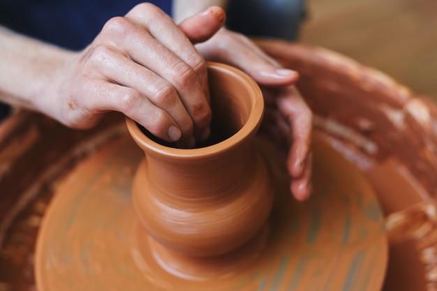 Fazendo jarro
