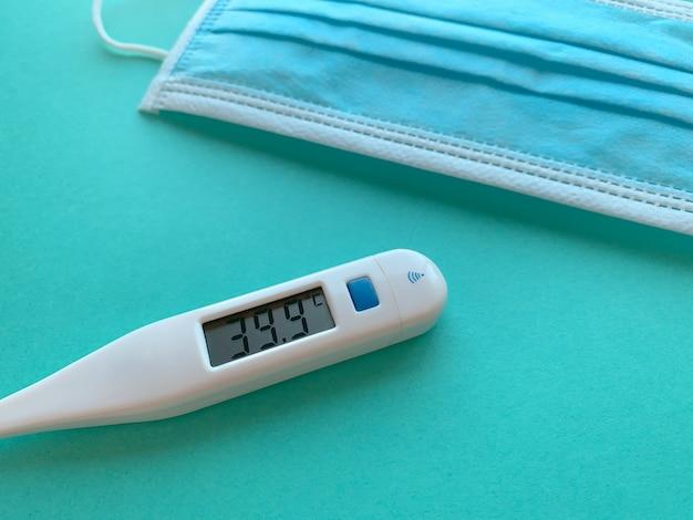 Febre em um termômetro