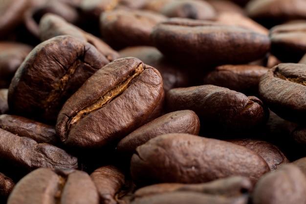 Fechar o feijão de café marrom