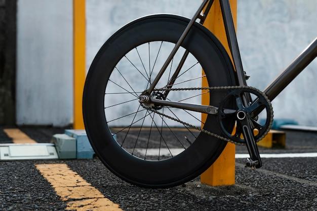 Feche a bicicleta ao ar livre