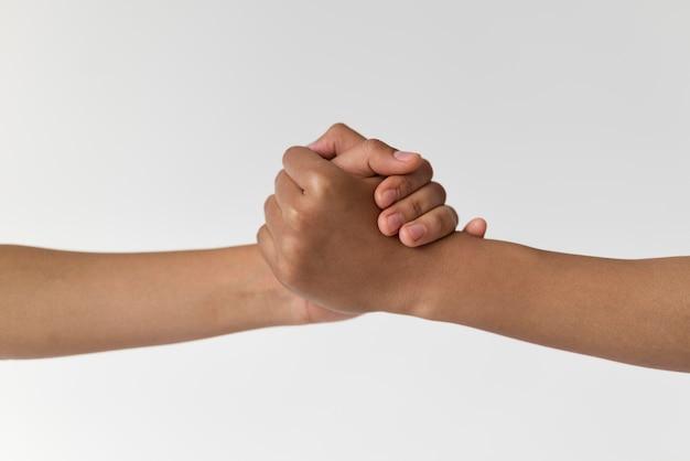 Feche a mão forte segurando