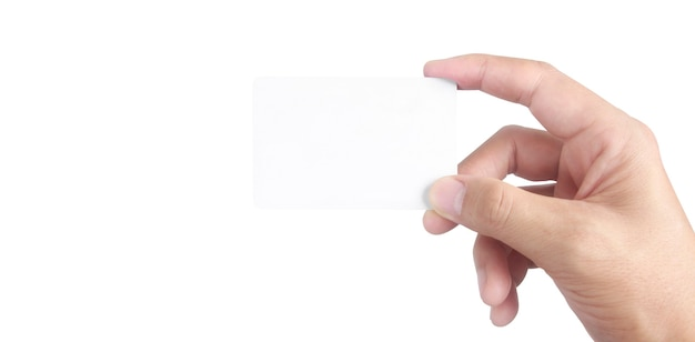 Feche a mão segurando o cartão virtual com. cartão de crédito na mão isolado